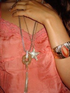 Stjerne Halskæde: Pilgrim, Guldkæde: Monsoon Accessorize, Armbånd: H&M