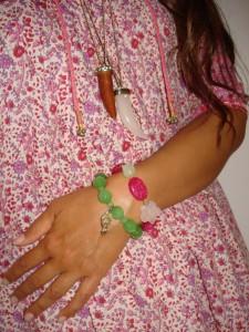 Halskæder: Aldo og H&M, Grønt Armbånd: DIY, Multi farvet Armbånd: Pistis Sophia