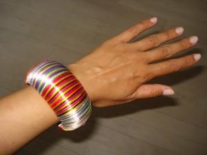 Multi farvet armbånd fra Bik Bok
