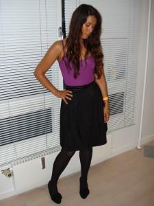Lilla top & sort nederdel fra H&M