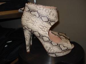 Plateau slangeskinds sandaler fra H&M