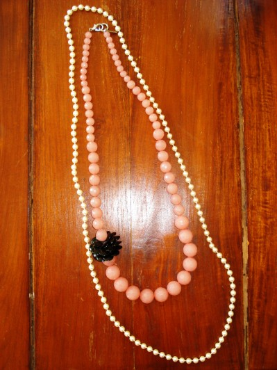 Perl necklace & Pink necklace