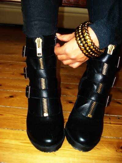 Wedge Boots: Vagabond Thelma, Studded Bracelet: BikBok