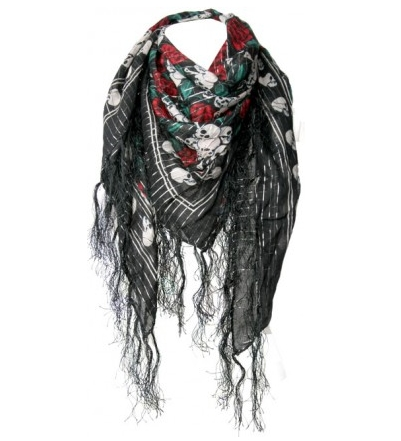 skull-and-crossbones-tassle-scarf-boo