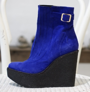 Beau Coops-Carrie Cooper- blue suede wedges boots