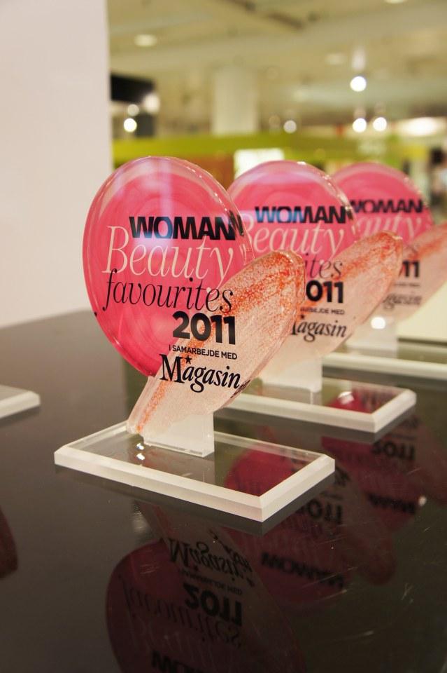 woman beauty award
