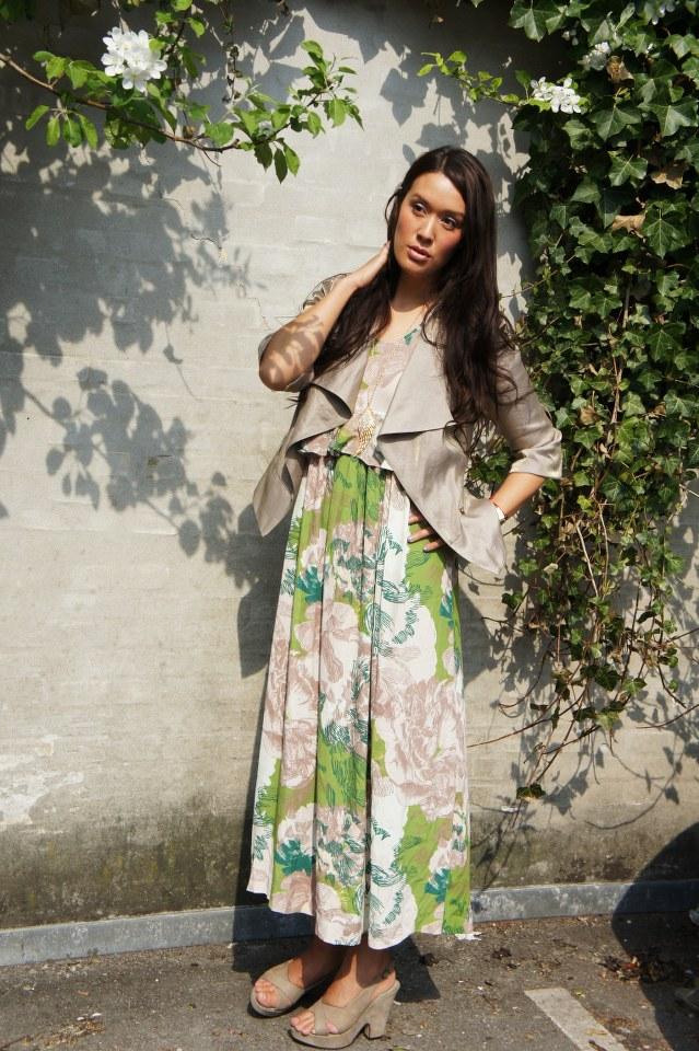 Dress: H&M