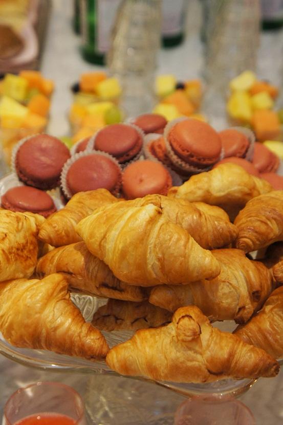 croissant, macaroones
