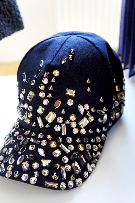 embellished cap, stenbesat kasket, H&M kasket, bling bling cap, bling kasket