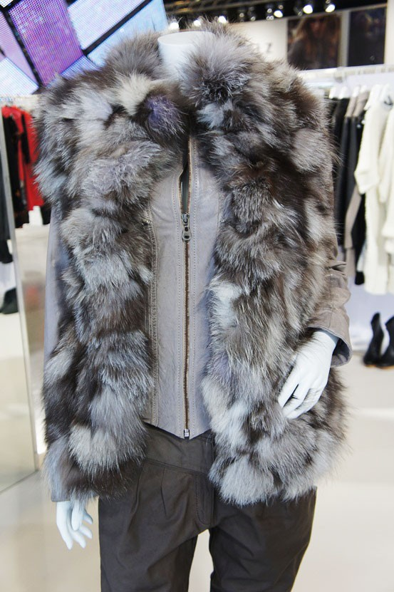 meinLiebling ples, pelsvest, fur vest