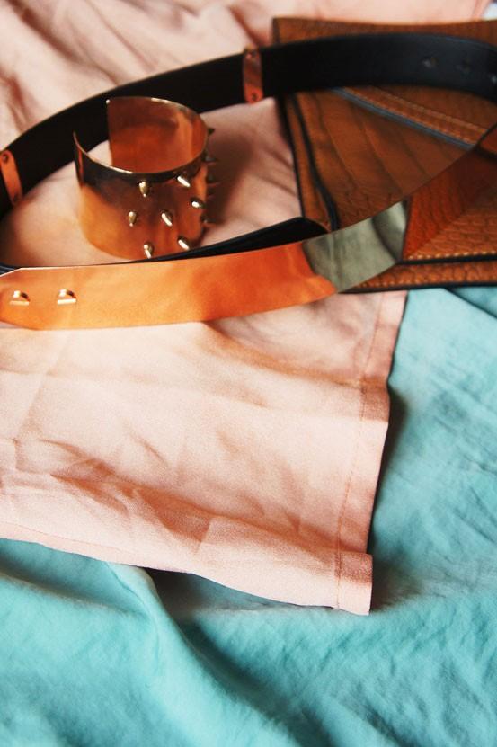lyserød, blå, metalbælte