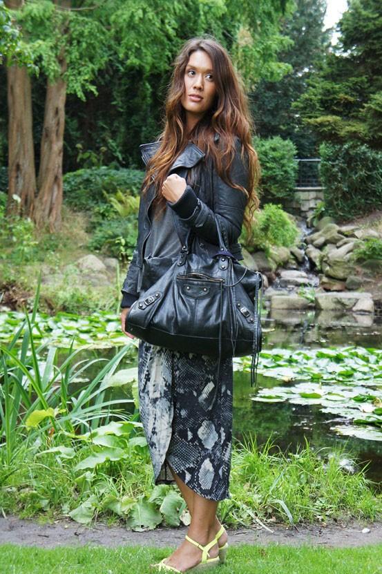 slangeprint nederdel vila, snake print skirt vila, mulberry bag, fashion outfit, fashion blog outfit