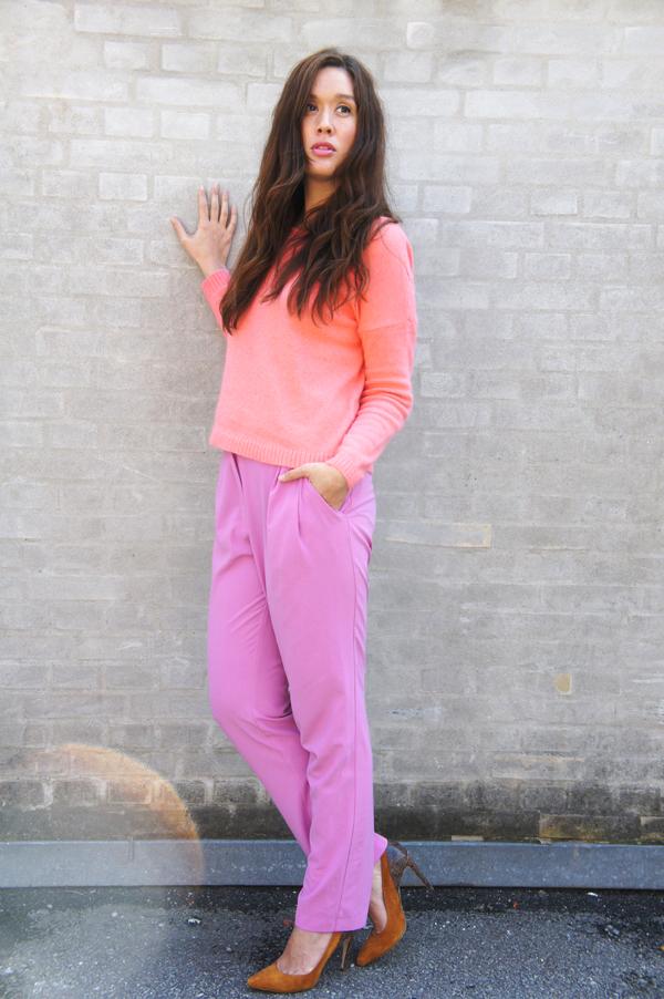 peach sweater vila, sweater vila, peachy outfit, lyserøde bukser hm