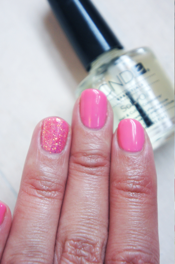cnd shellac gotcha coloue, glimmer pink nail art
