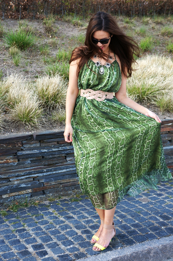 the wardrobe slangeprint kjole, green snake print maxi dress