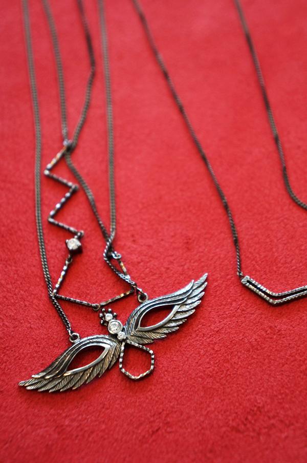 Falling in chains, Falling in chains kinz kanaan, maskarade halskæde, maske vedhæng, sølv halskæde, mask necklace