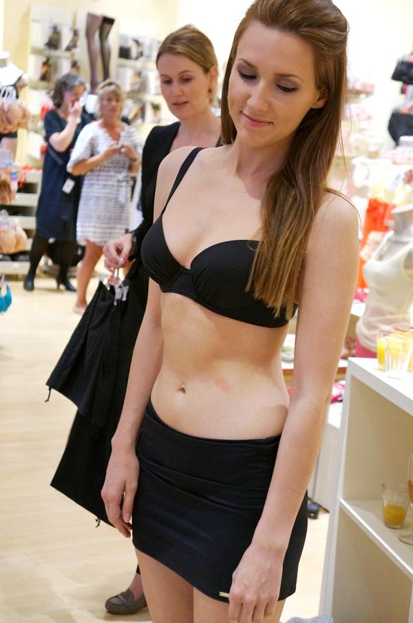 sort bikini, black bikini, triumph