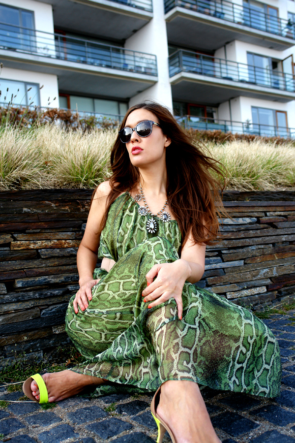 green dress, the wadrobe dress, grøn slangeprint kjole, maxi kjole