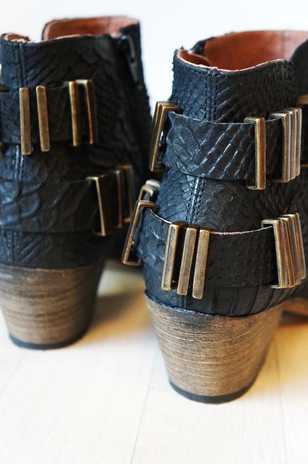 snake print boots, slangeskindsstøvler, snake boots, pied a terre, pied a terre boots, leather boots, læderstøvler, cowboy ankelstøvler, ankel boots