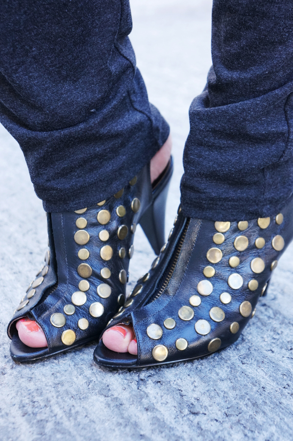 shoe biz nittesko, open toe studded heels, shoe biz sko, nitte sandaler, studded sandals
