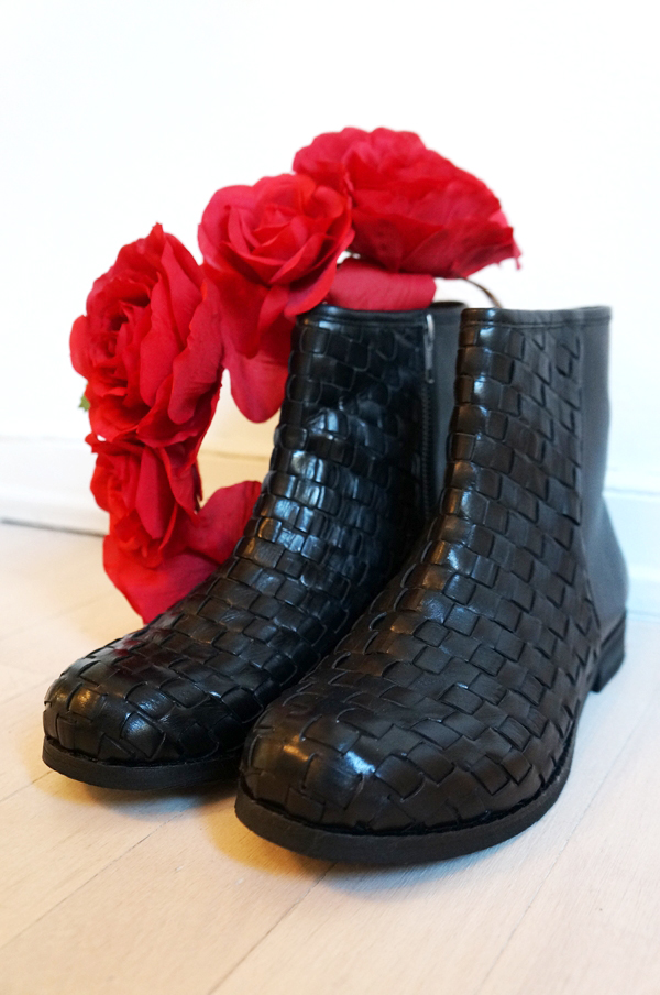 B&CO Classic, braided black boots