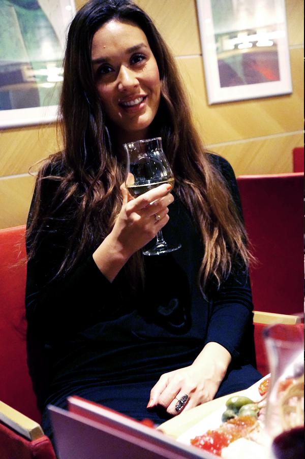 læker vin på oslo båden, MiniCruise, romantisk tapas vinbaren