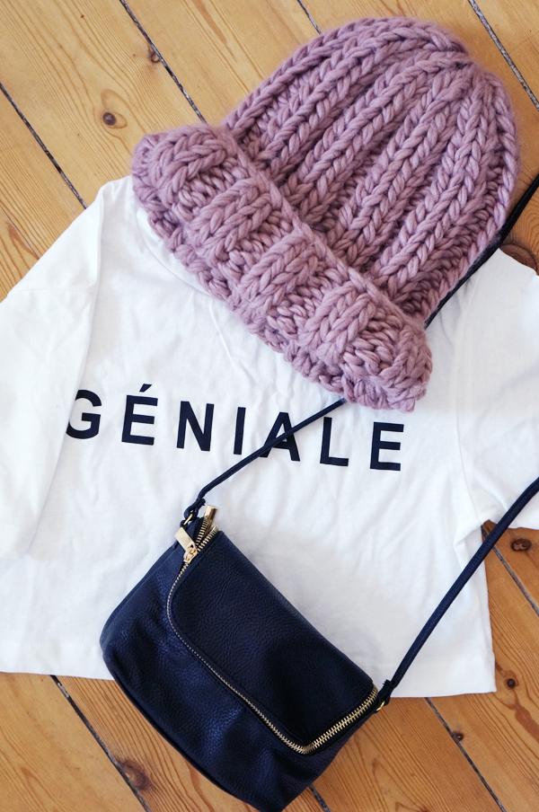 géniale cropped t-shirt, stor lyserød hue H&M, sort taske H&M, black bag hm, bennie pink, mavekort t-shirt