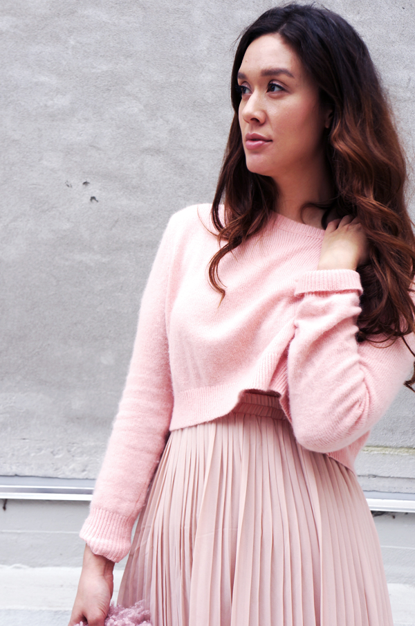 pleated pink skirt, hm angora pink sweater, cropped sweater, angora sweater, hm pink sweater, kort sweater