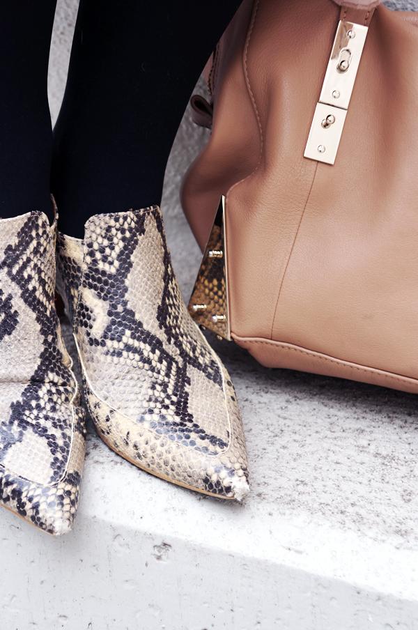 zara slangeskinds ankelstøvler, zara snake print ankel boots, adax taske