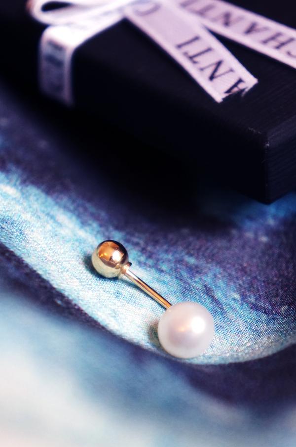 chanti Perle navlepiercing i 9 karat guld, Perle navlepiercing i 9 karat guld, chanti navlepiercing, pearl piercing