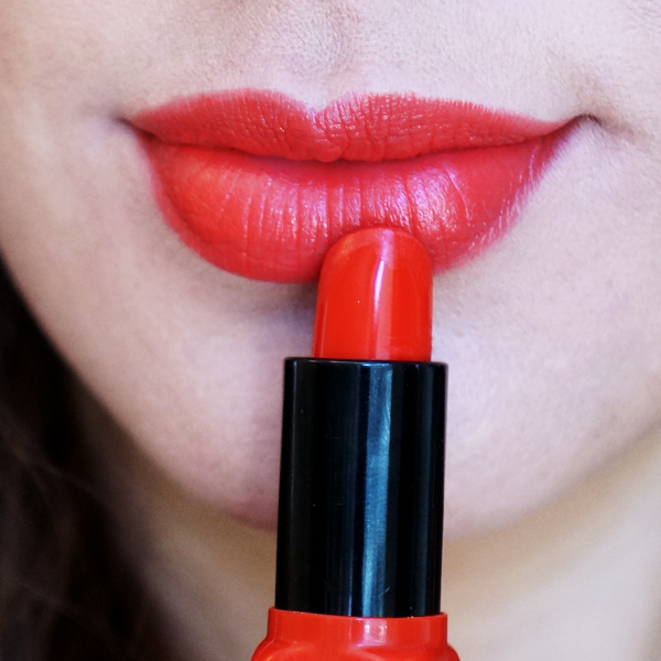 red lipstck, rød læbestift, elf cosmetics Moisturising Lipstick
