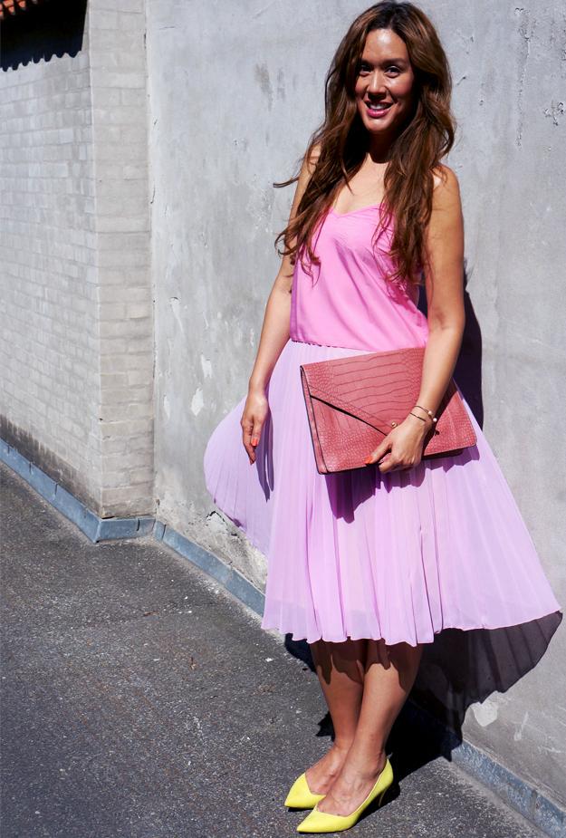 modeblogger, fashionblog, pink outfit, pleated skirt asos, lyserød nededel plisseret asos