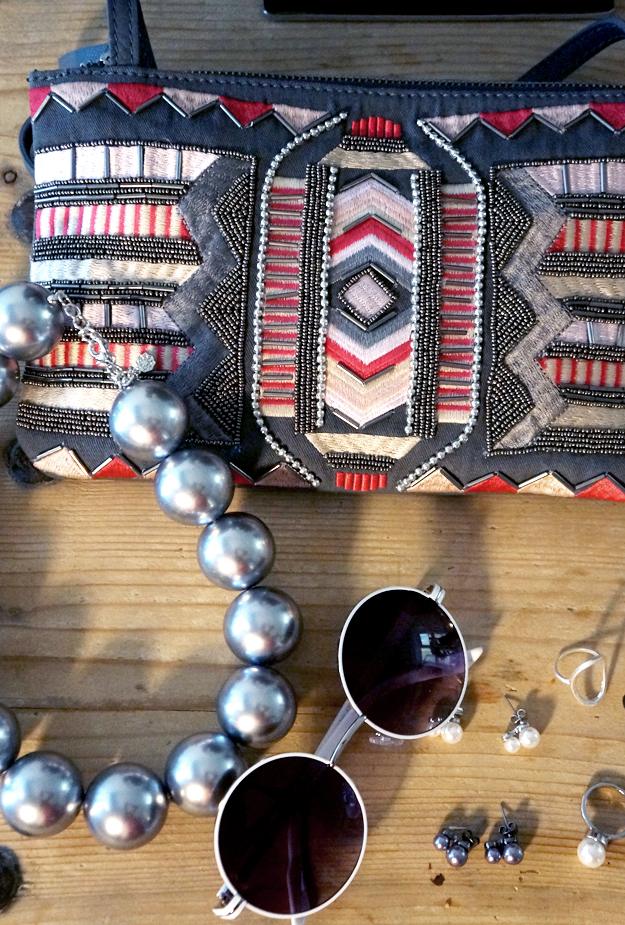 aztec print, pieces clutch
