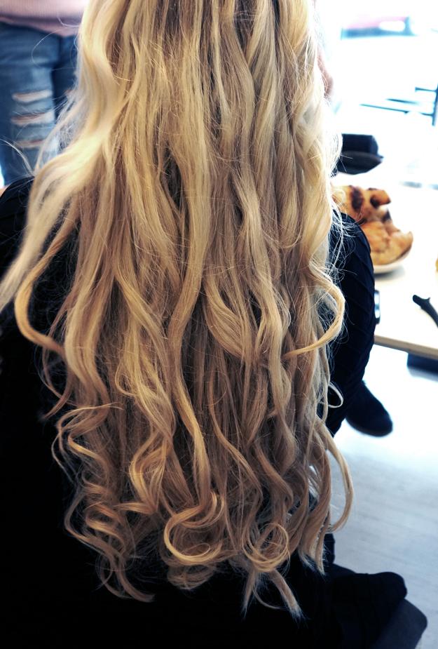ghd krøller, how to make curls with a ghd styler, lav krølle rmed et glattejern, frisør efteruddannelse beauty academy københavn