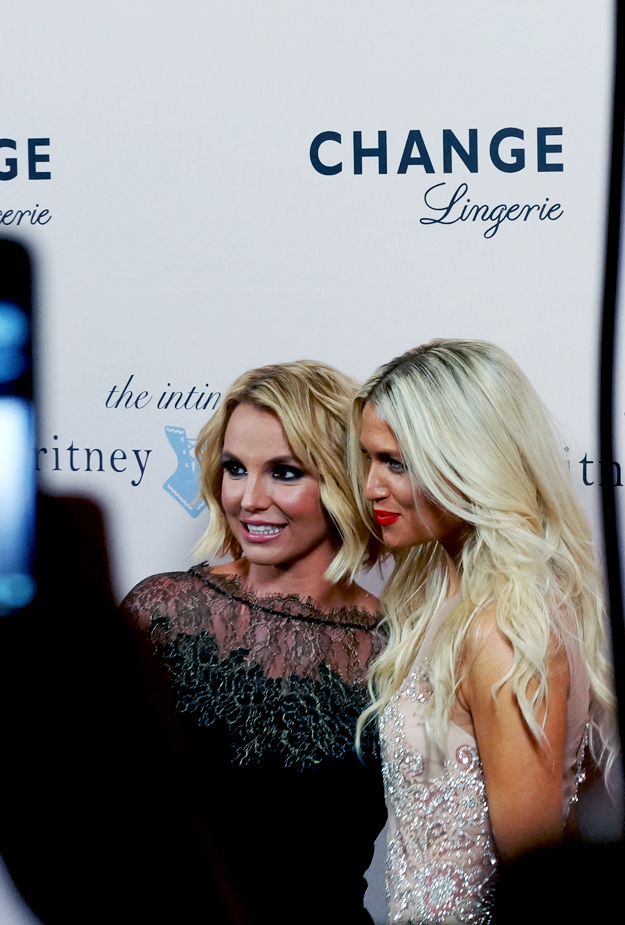 change britney spears forum, Christiane Schaumburg-Müller O´Connor , The Intimate Britney Spears, Change Lingerie, Change undertøj,