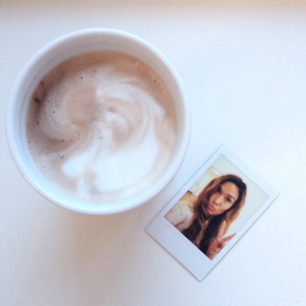 coffee, instax, fujifilm, polaroid billede, polaroid picture, latte, selvstændig kvinde