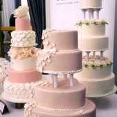 Above & Beyond Wedding Fair, bryllupskage, lyserød bryllupskage, wedding cake