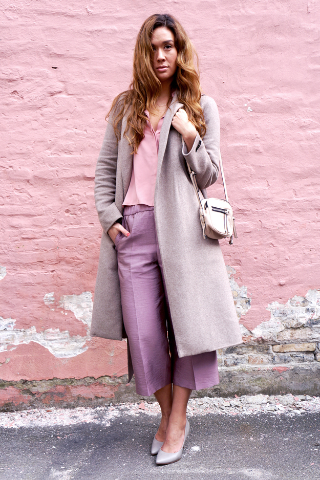 nude outfit, culotte outfir, beige frakke, zara lang frakke,