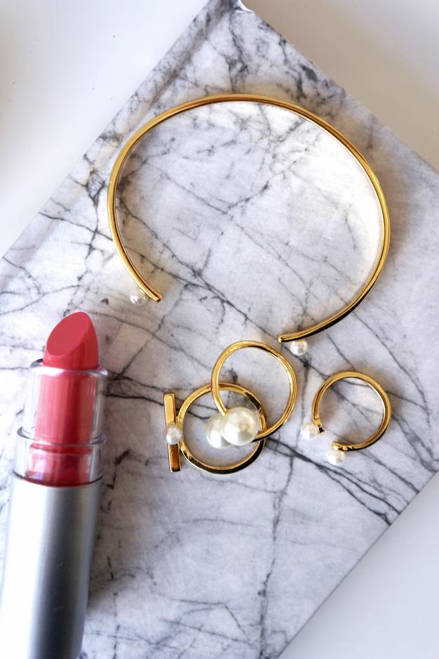 pilgrim guld armbånd med perler, pilgrim bracelet gold pearls, perlering pilgrim, pilgrim smykker, pilgrim jewellery, marble norebook, søstrenegrene, søstrene grene notesbog, marmor bog,