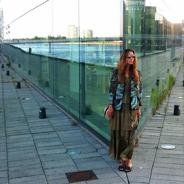 palmeprint jakke, hm palme jakke, palm print jacket, hm jakke med print, dolce gabbana solbriller, hm maxikjole