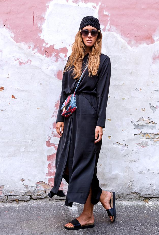 Nawala munthe kjole, munthe black dress, turban, hm taske, deichmann sandaler